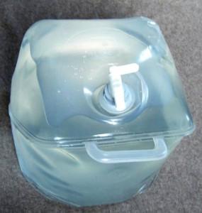 Wasserfilter faltbar Politainer 20L gefuellt Vorderseite